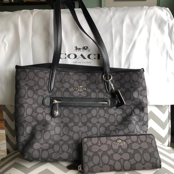 dca6b84e6d8c Coach Handbags - COACH Signature Taylor Tote and Matching Wallet